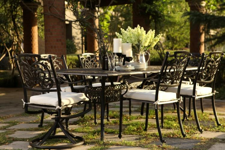 R Palace Cast Aluminum Dining Set