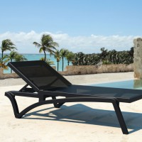 Pacific Chaise - Black & Black