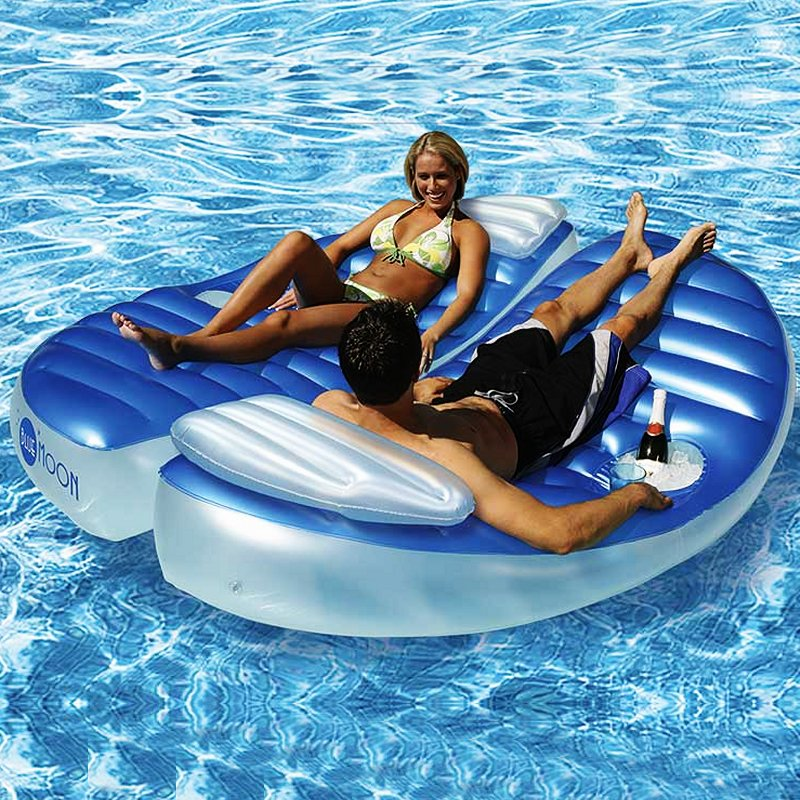 Oasis Island Inflatable: Connectable Double Pool Float