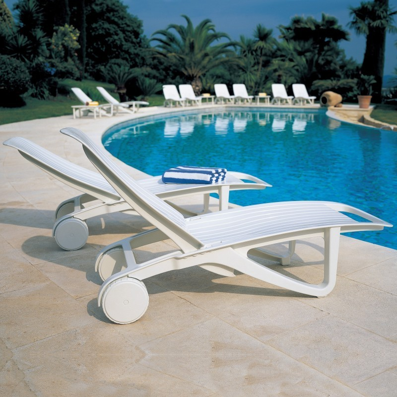 Cormoran 3-Piece Resin Pool Patio Set