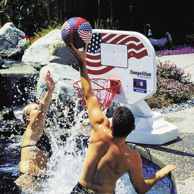 USA Poolside Basketball Game PM72830