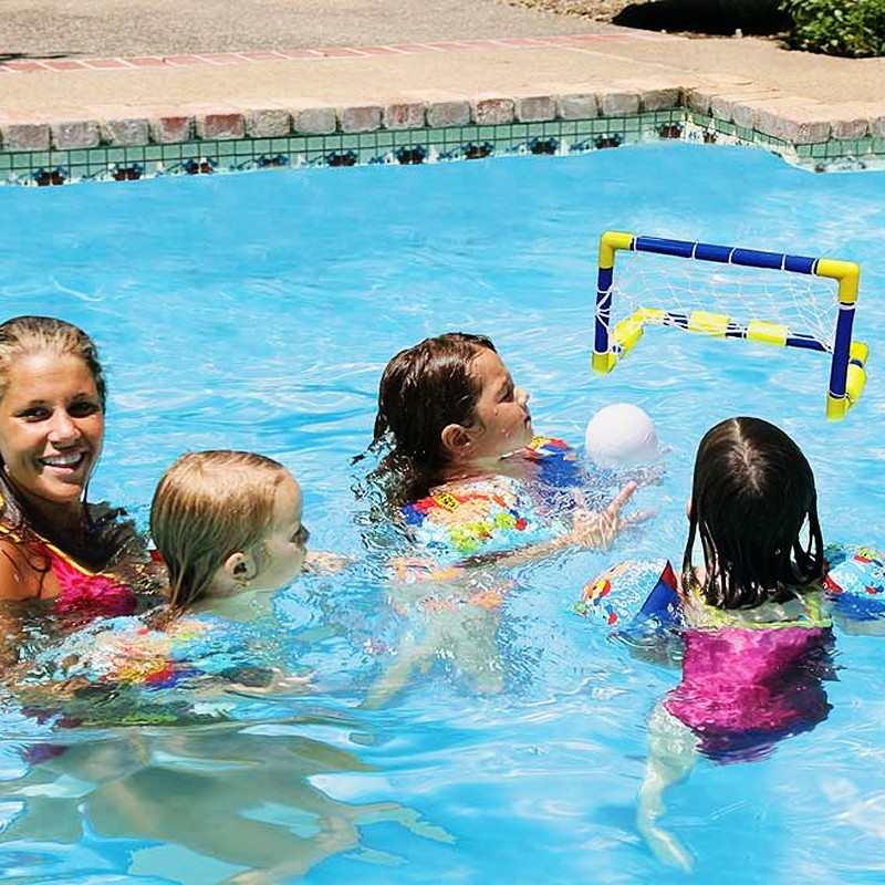 Battery Operated Pool Toys: Swimming Pool Kids Mini Water Polo Game