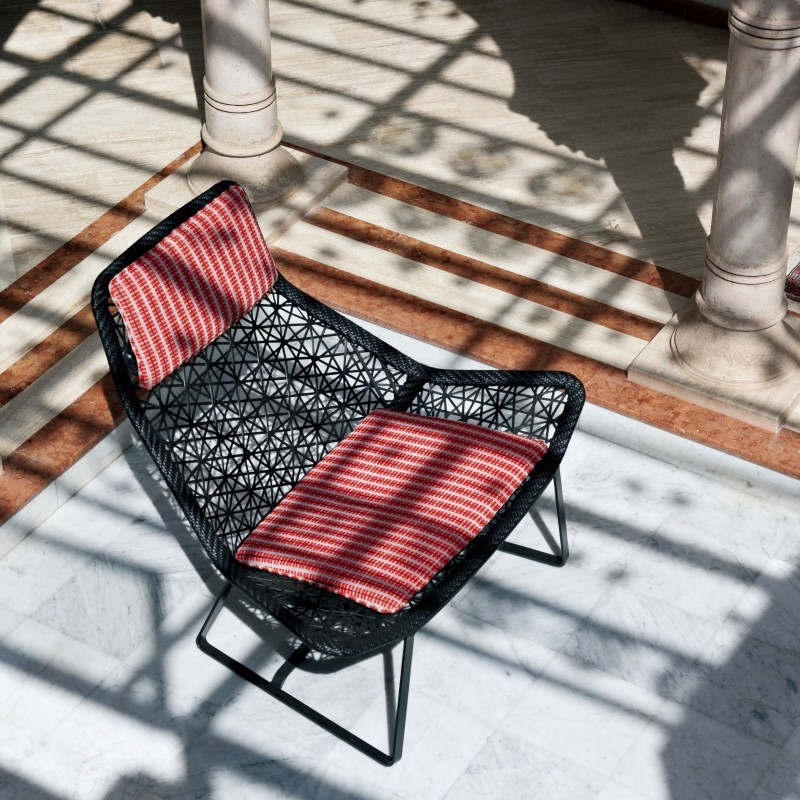 Contemporary outdoor patio furniture