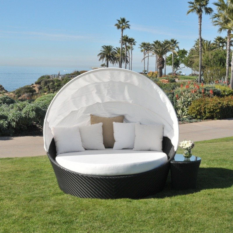 Outdoor Furniture: Outdoor Wicker: Barrell Outdoor Daybed with Canopy