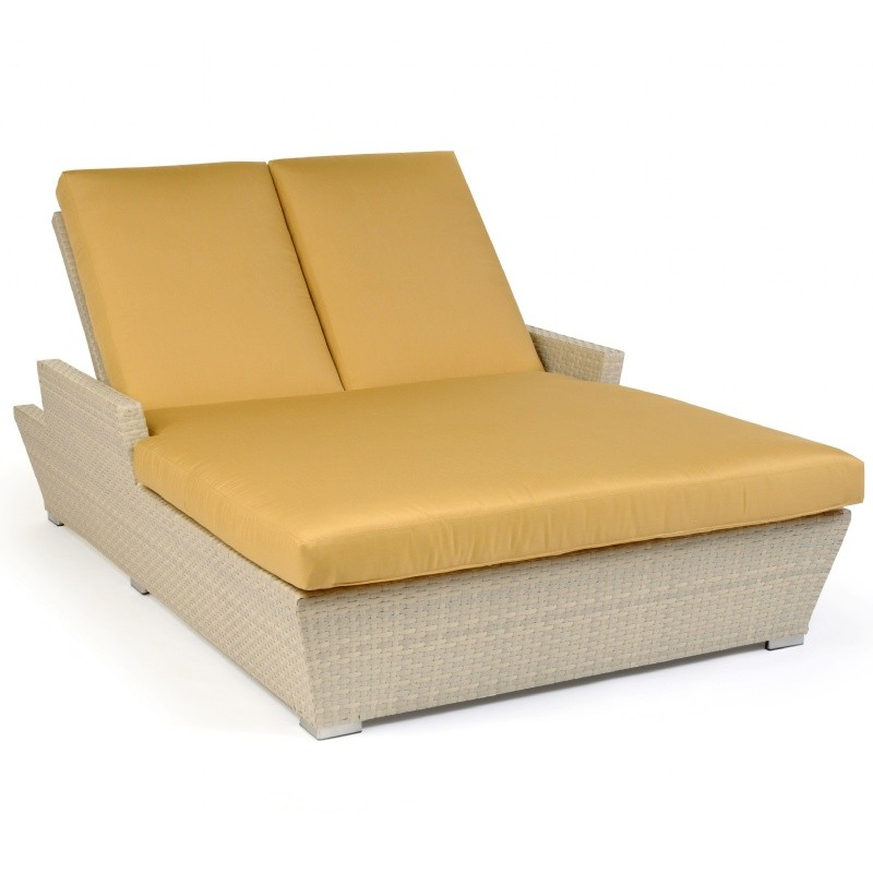 Verona outdoor wicker chaise lounge double ca605 99 cozydays for Acrylic chaise lounge