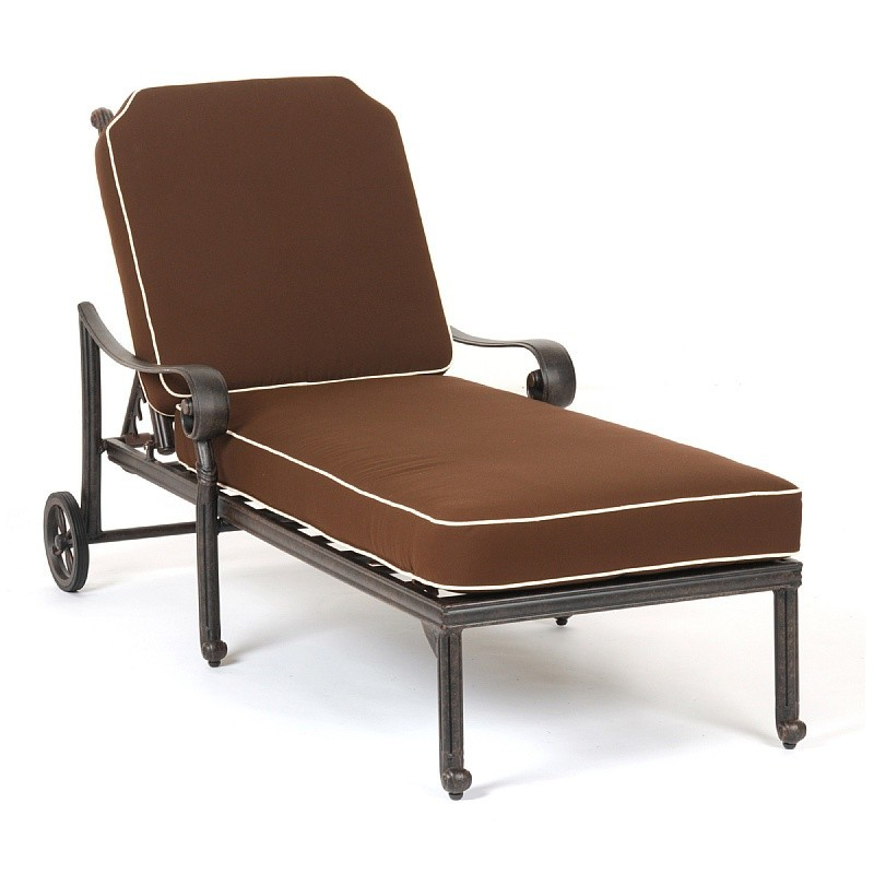 Caluco victoria cast aluminum patio chaise lounge with cushion for Aluminum chaise lounges