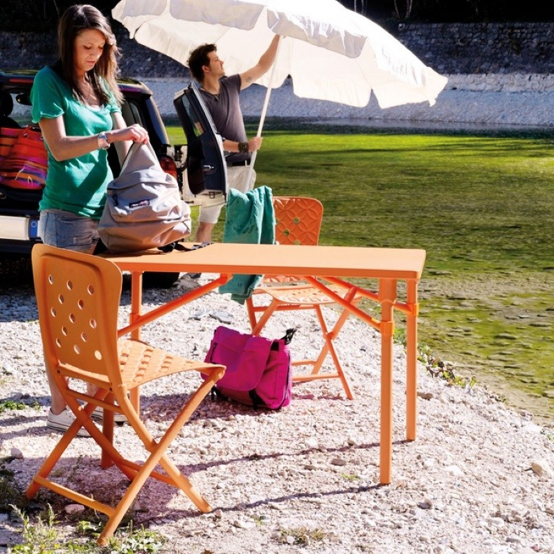 Zic Zac Spring Resin Folding Dining Set 3 Piece