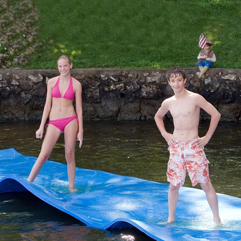 Blow Up Bubble Raft: The WaterMat Junior Floating Mat 6x10